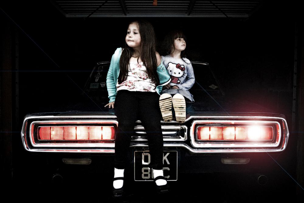 Girls & Motor 1-FB